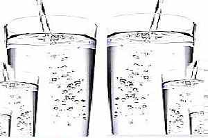 importancia de beber agua en ayunas