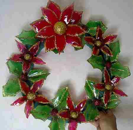 C mo decorar bolsas de papel para regalo for Materiales para manualidades navidenas